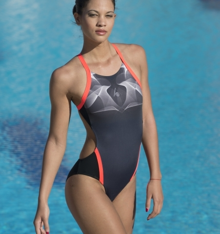 Aqua Sphere's 2015 swimwear Is turning fashion heads