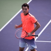 Head signs long-term contract with teenager Taylor Fritz