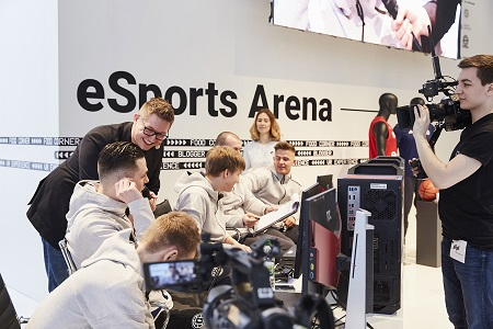Lectures and games were broadcast from the new eSports Arena via an own Twitch channel